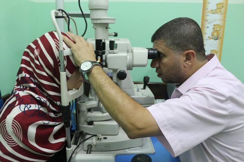 الخدمة العامة تنفذ مشروع زراعة قرنيات لمرضى العيون في غزة