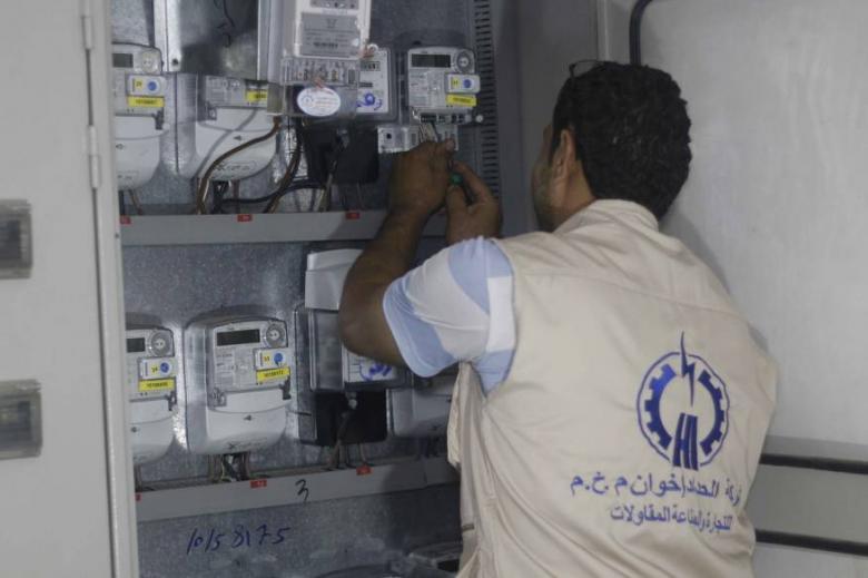 الكهرباء والطاقة تنفذان جولة تفقدية لمشروع العدادات الكهربائية جنوب غزة
