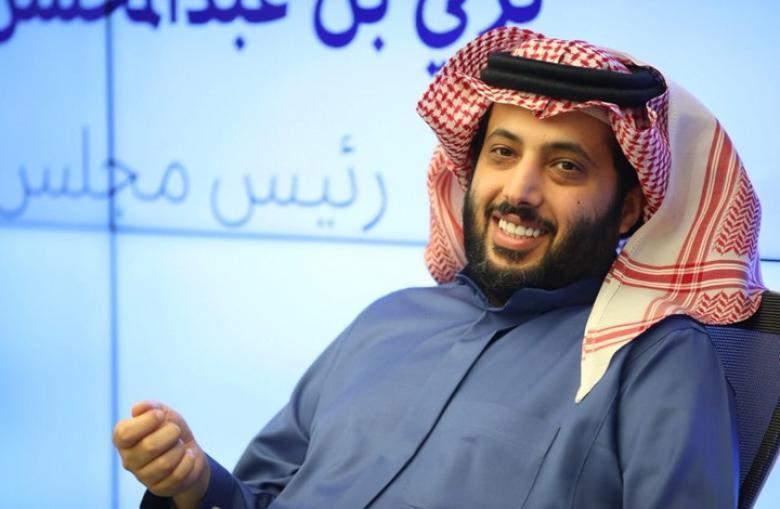 """آل الشيخ """"يشمت"""" برئيس الاتحاد المصري بعد الخسارة"""