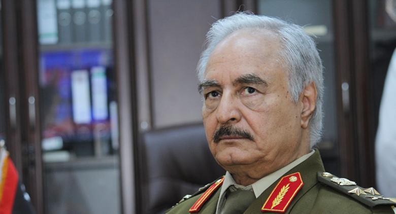 حفتر يسّلم الموانئ النفطية للمؤسسة الليبية