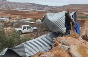 الاحتلال يهدم خزاني مياه في منطقة عينون