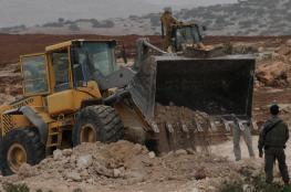 مستوطنون يجرفون 24 دونما من أراضي المواطنين شرق الخليل