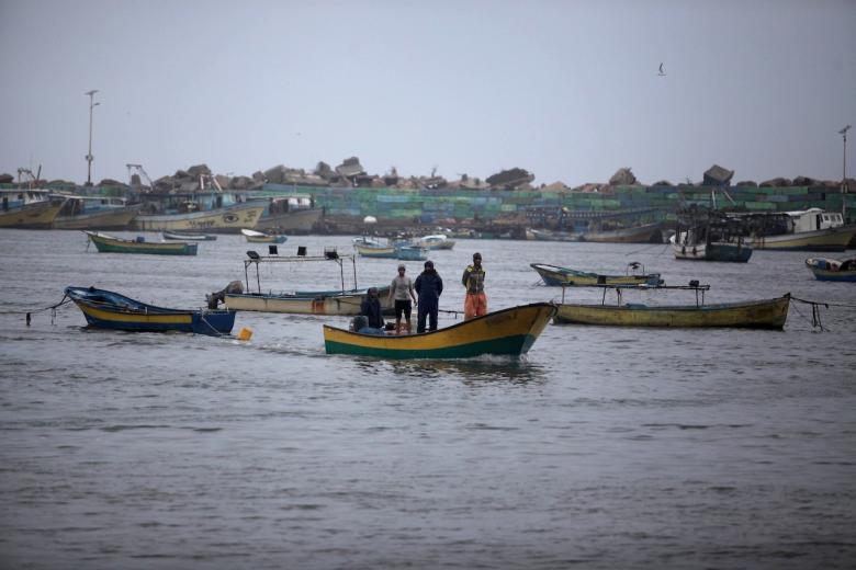 عياش: الاحتلال يسلم معدات و قوارب صيد اليوم