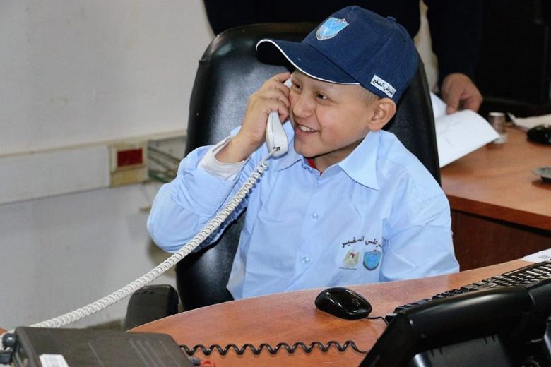 طفلٌ من غزة مديرًا لشرطة نابلس..!