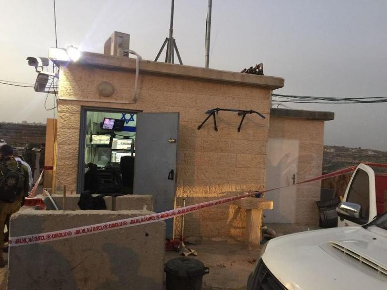 إصابة حارس مستوطنة بعملية طعن شمال الخليل