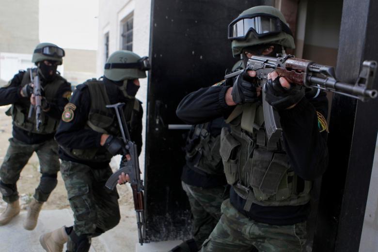 """الاحتلال: السلطة اعتقلت 22 شابًا تضامنوا مع """"تنظيم الدولة"""""""
