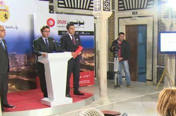 قلق في تونس مع انخفاض الدينار