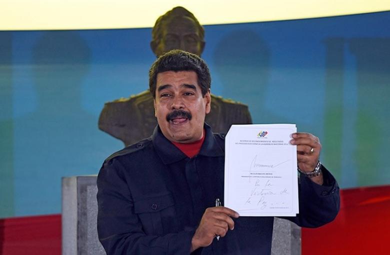 الرئيس الفنزويلي ينجو من محاولة اغتيال بطائرة دون طيار