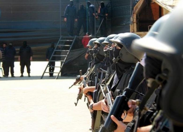 مركز حقوقي يطالب وقف أحكام الإعدام بغزة