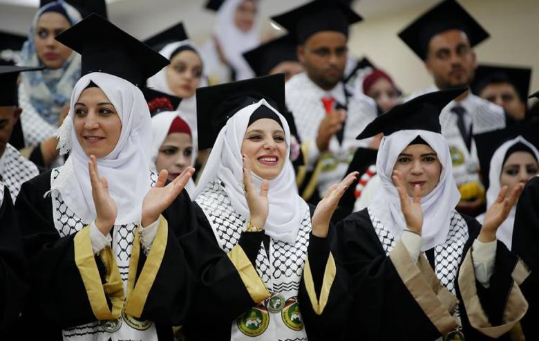 """أريحا: """"القدس المفتوحة"""" تحتفل بتخريج الفوج العشرين من طلبتها"""