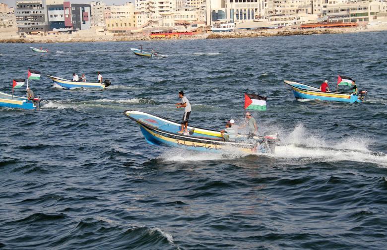 الاحتلال يقرر إعادة 65 قارب صيد محتجز لديها لصيادين من غزة