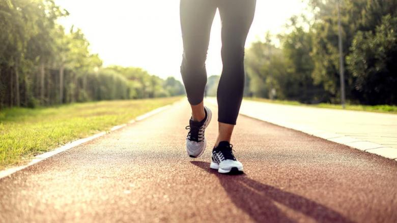 فوائد المشي لا تنتهي.. 15 دقيقة تحسن الاقتصاد العالمي
