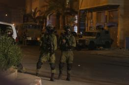 الاحتلال يعتقل 8 مواطنين من الضفة المحتلة