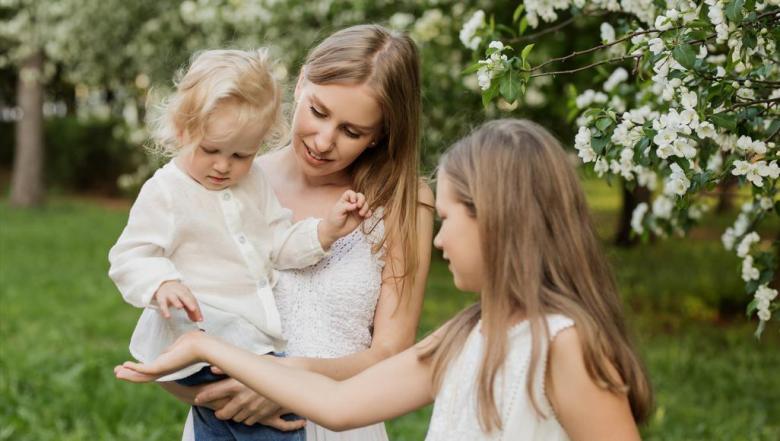 10 حيل لجعل كل طفل يشعر بالتميز داخل العائلة الكبيرة