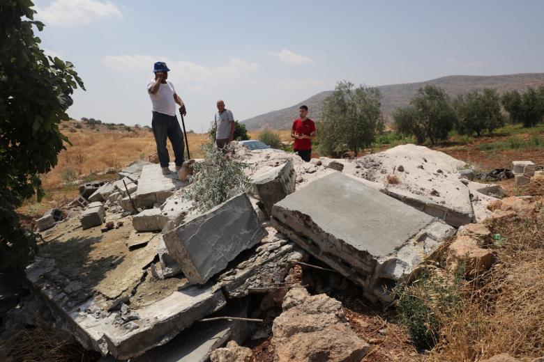 الاحتلال يهدم بركة لري المزروعات في واد الغروس شرق الخليل