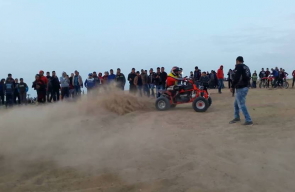 ممارسة الرياضة على الحدود الشرقية للمغازي