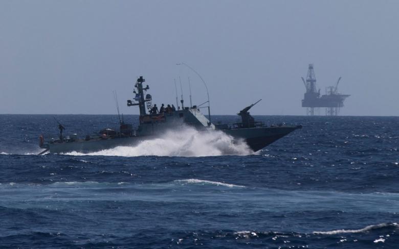 الاحتلال يعيد تقليص مساحة الصيد المتاحة لغزة لـ6 أميال