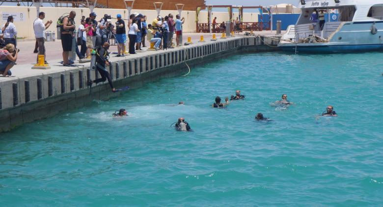 مغامر يغطس في مصر على عمق 30 مترا بدون أنبوبة أكسجين