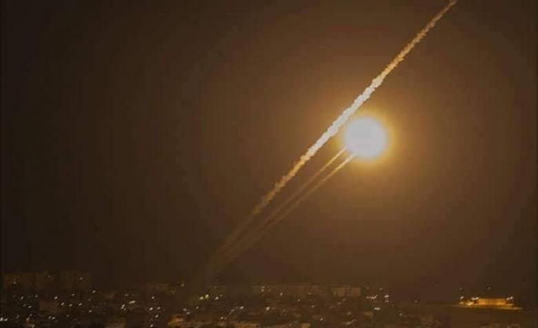 الاحتلال يزعم استهداف غلاف غزة بقذائف صاروخية