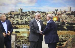 قيادة حماس بدير البلح تهنئ هنية برئاسة مكتبها السياسي