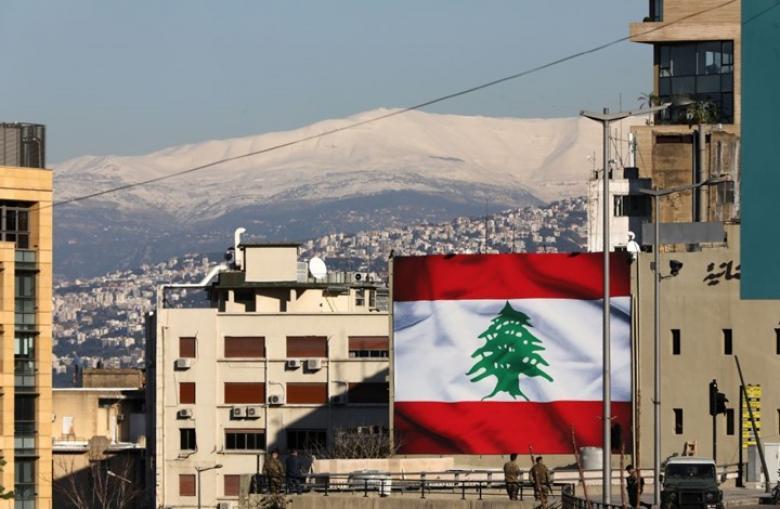 ساعات رولكس فاخرة وسيارات.. هكذا يدّخر لبنانيون أموالهم