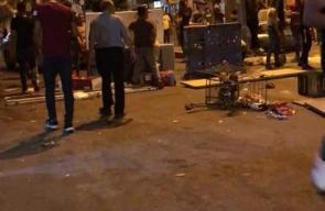 مقدسيون يغلقون الشوارع المحيطة بمنازل الشهيدين نسيم أبو رومي وحمودة الشيخ