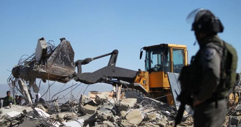 القدس: توزيع اخطارات هدم واستدعاءات في قرية العيسوية