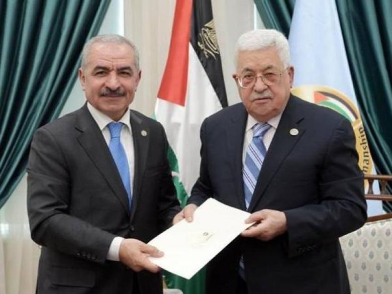 عباس يعترف بفضيحة الرواتب وهذا ما قرره بشأنها