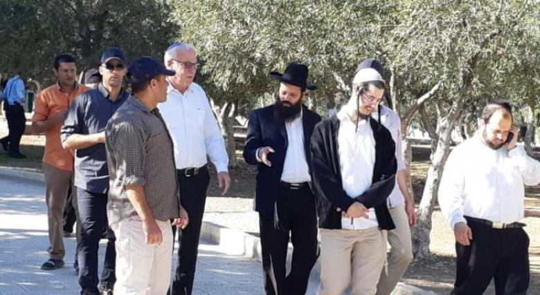 وزير الزراعة الإسرائيلي يقتحم الأقصى برفقة مستوطنين