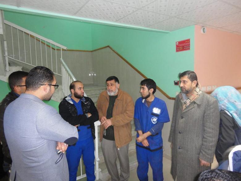 نقابات العمال تتفقد عمال النظافة بمستشفى شهداء الأقصى