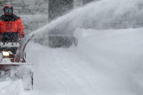 لهو واضطرابات وسط الثلوج في أوروبا