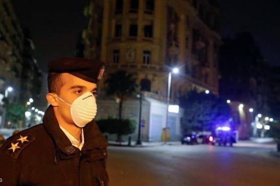 مصر.. تحقيق في نقل متوفي بكورونا في سيارة نقل