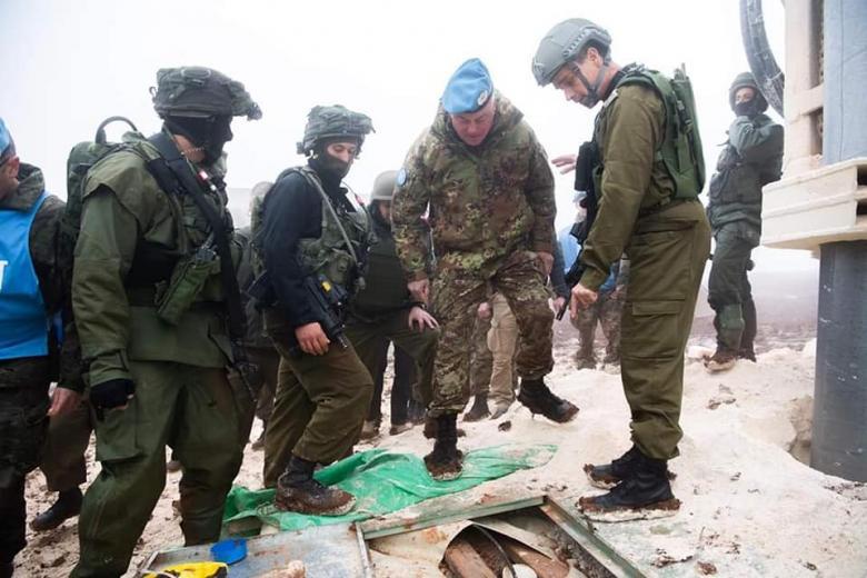 """رسميًا.. الاحتلال يبلغ """"اليونيفيل"""" بتدمير أنفاق حزب الله"""