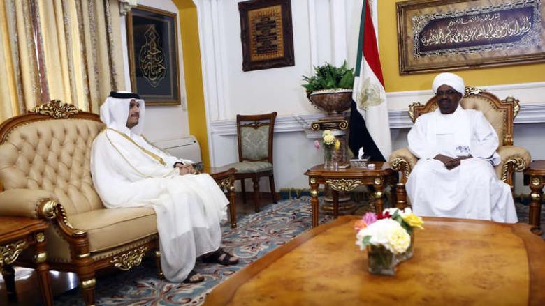 الرئيس السوداني يتسلم رسالة من أمير قطر