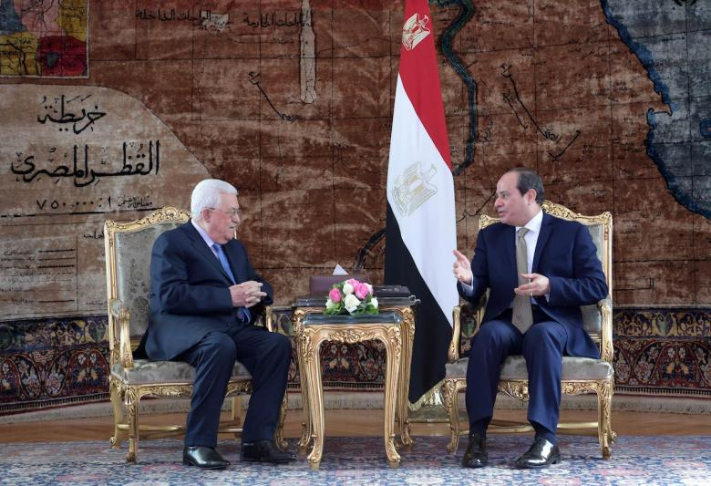 للقاء السيسي.. عباس يصل القاهرة اليوم