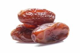 التمر فاكهة رمضان السحرية.. تعرف على فوائده الصحية للصائم