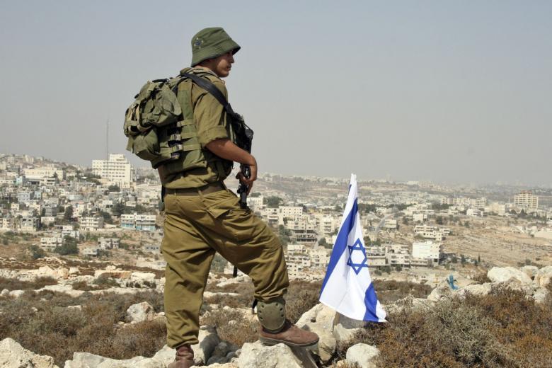 """الاحتلال يصادر """"منازل متنقلة"""" تستخدم غرفا مدرسية في الضفة"""