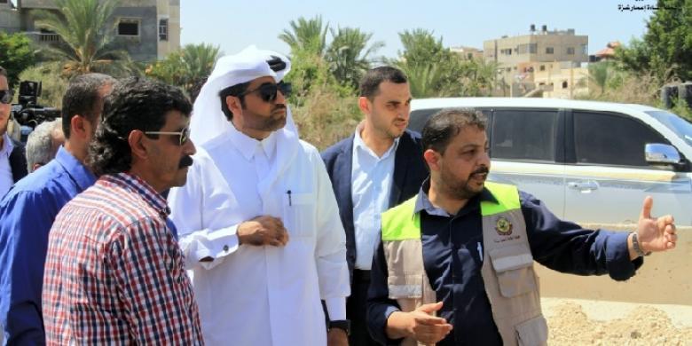 نائب السفير القطري محمد العمادي يصل غزة