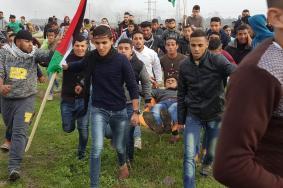 إصابات بقمع الاحتلال مظاهرة شرق دير البلح