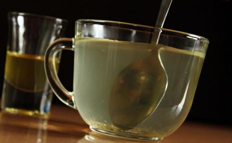 """""""الماء بالعسل"""".. لتقوية المناعة وتخفيف الوزن"""
