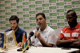 بركات يشيد بأداء لاعبيه بعد الفوز على عمان