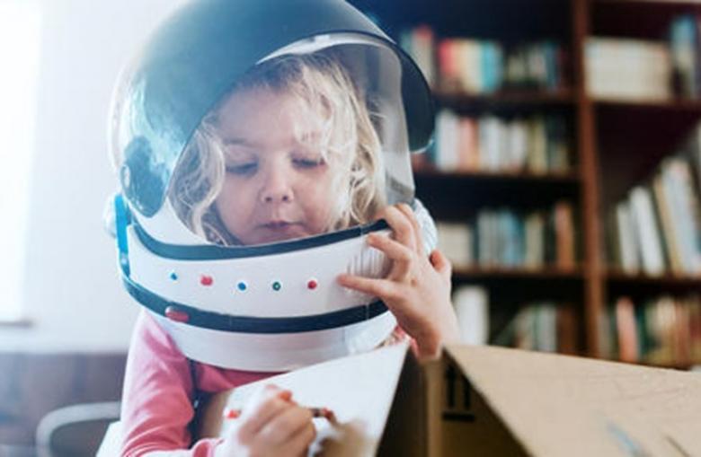 هل لدى طفلك صديق خيالي؟
