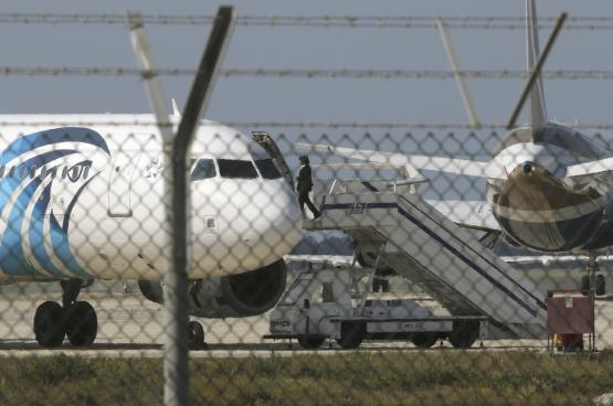 روسيا تحبط اختطاف طائرة مدنية بطريقها إلى موسكو