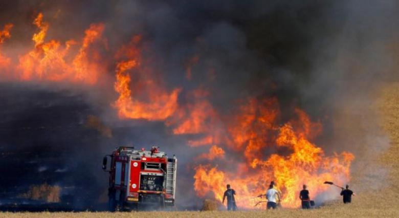 """3 حرائق في """"غلاف غزة"""" بفعل بالونات حارقة"""