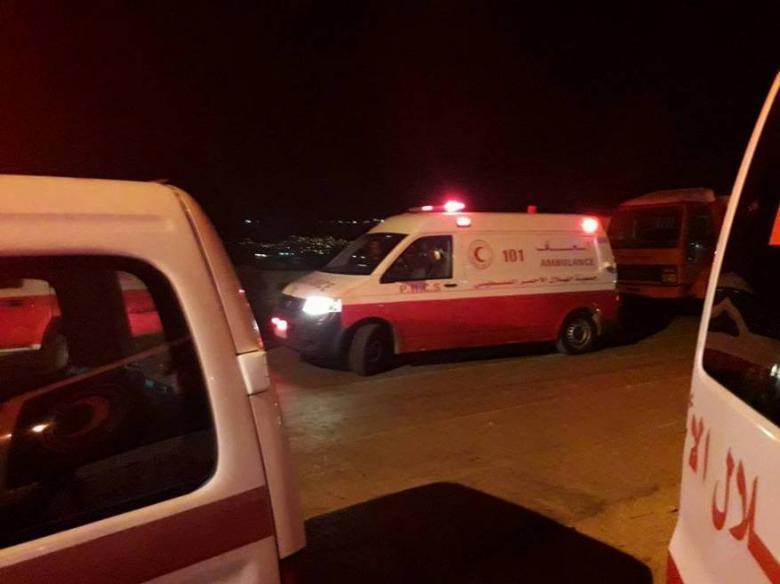 إصابة 52 مواطنا في حريق لمستودعات تجارية بنابلس