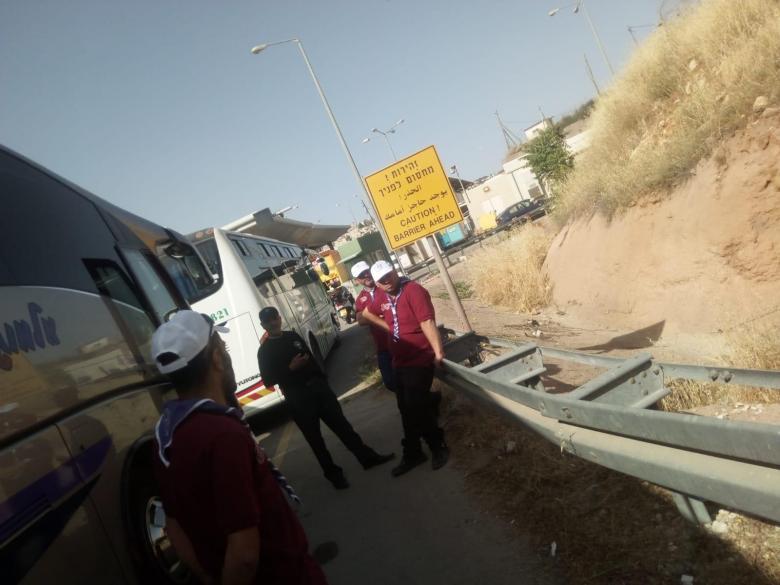 الاحتلال يحتجز حافلات الكشافة في القدس