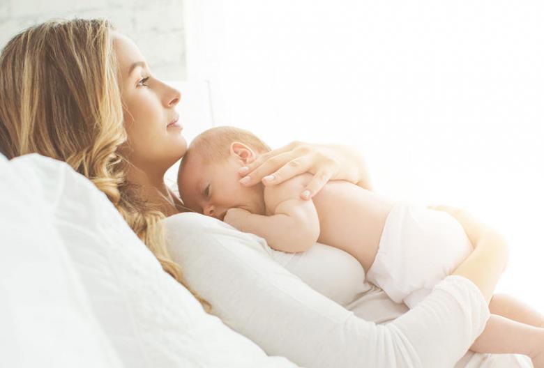 كيف تتعاملين مع التوتر عندما يكون لديك مولود جديد؟