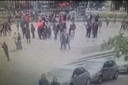 لحظة الهجوم على الشرطة في كاتدرائية باريس