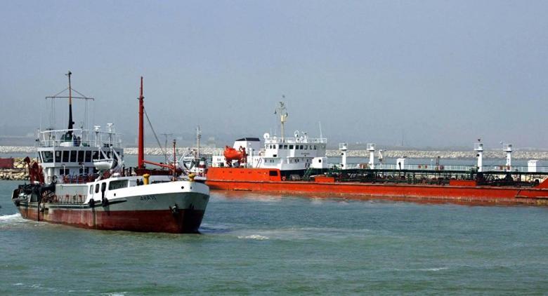 السعودية تصدر بيانا عاجلا بعد استهداف سفن مدنية وتجارية في الإمارات