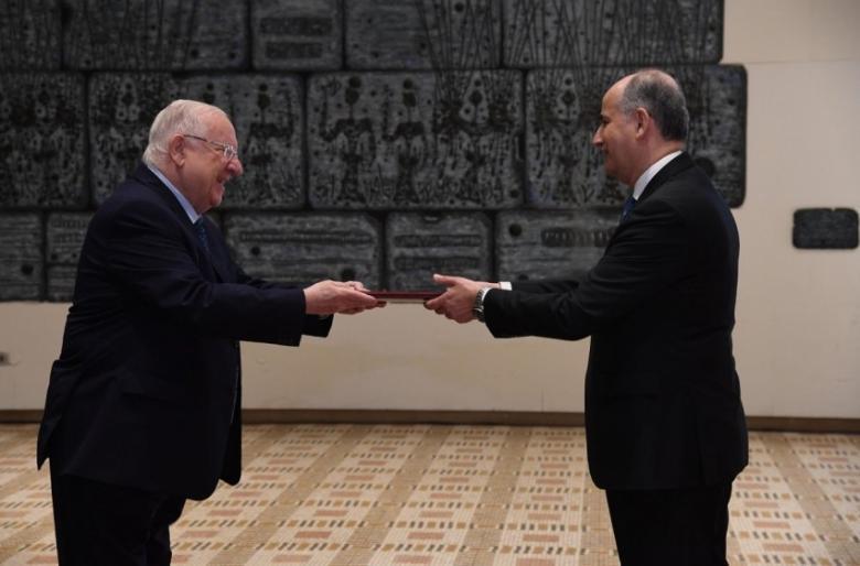 """ريفلين يعتمد 5 سفراء دول جدد في """"إسرائيل"""""""